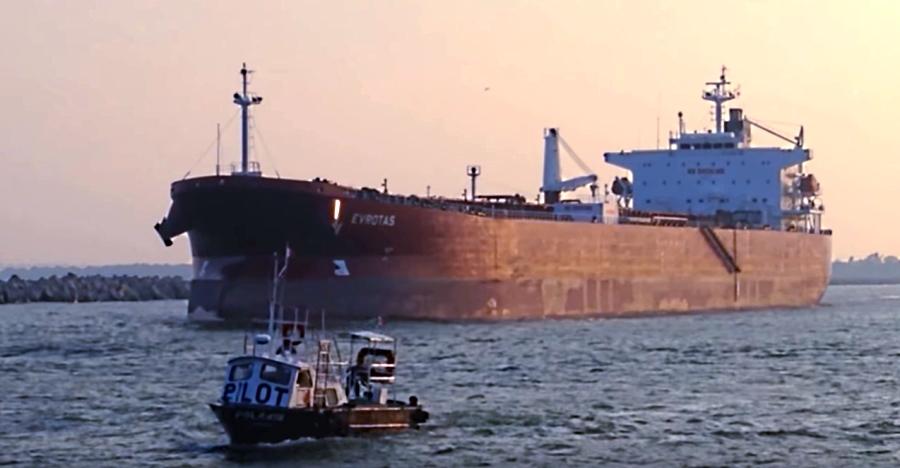 Analiza Sener intercambio de petróleo con Estados Unidos