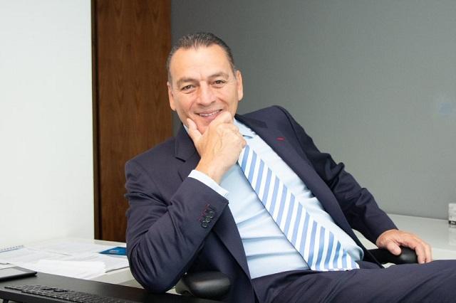 Ex embajador Alarie presidirá ATCO, negociará gasoducto