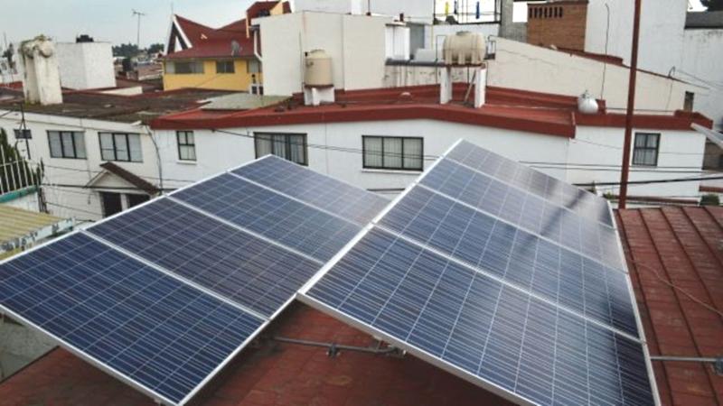 Premia Asolmex trabajos periodísticos sobre techos solares