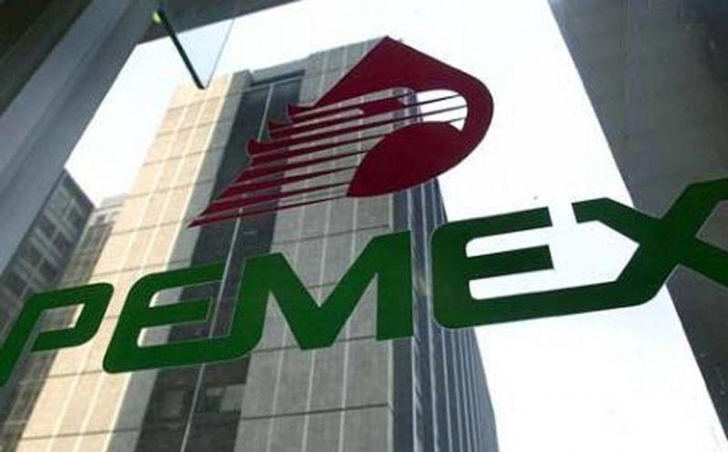 Baja S&P la calificación crediticia de Pemex a BBB