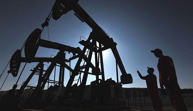 Petroprecios, en mínimos; temen una crisis de deuda externa