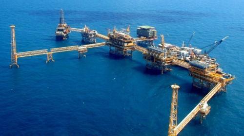 Plan para almacenar aceite crudo en el yacimiento Akal