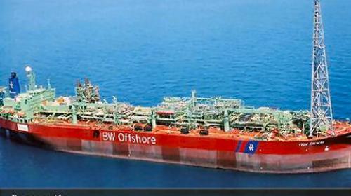 Chocan buquestanque; Pemex difiere producción