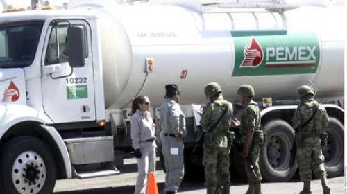 Militarizan instalaciones de Pemex; cerrado el ducto Salamanca-León