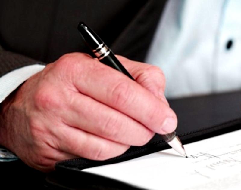 Van por limitar adjudicaciones directas en contrataciones públicas