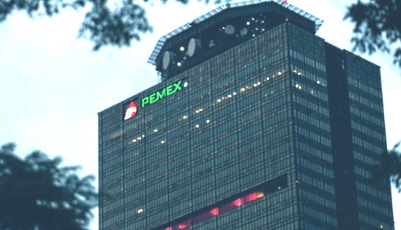 Pemex pidió a contratistas de su deuda extender el plazo de pago