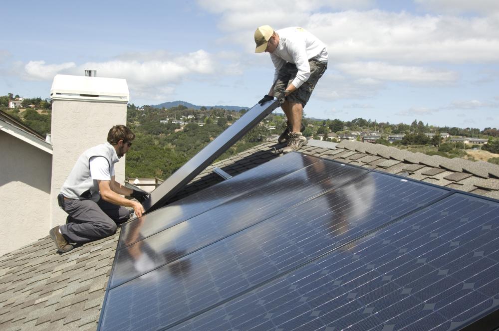 Desconcierto en la industria solar, por el veto de la CRE