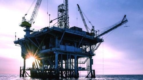 Cae por cuarto mes producción petrolera