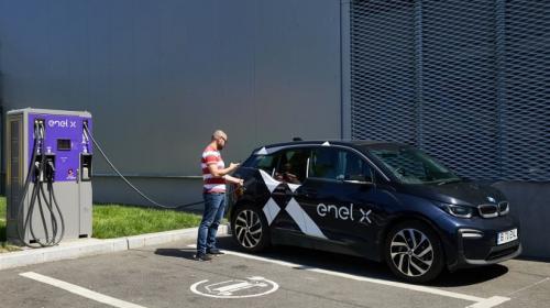 Autos eléctricos cero emisiones: Enel X se asocia con Uber