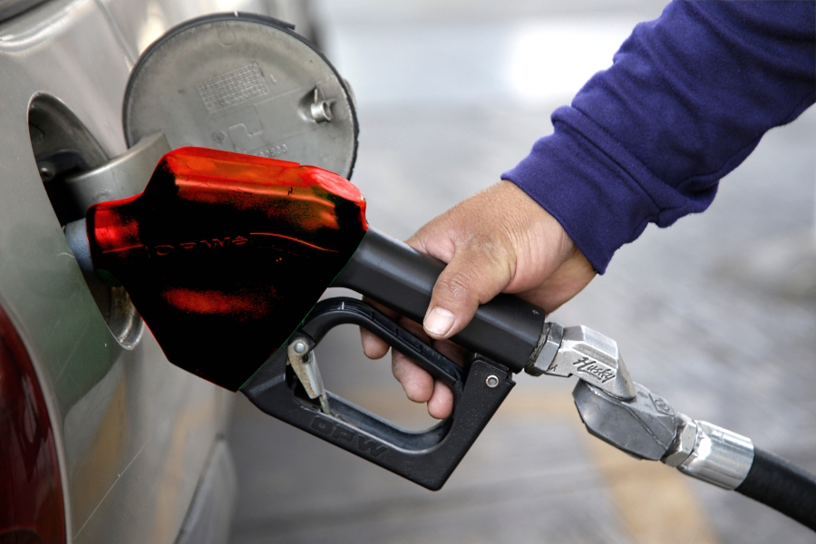 Aumentó recaudación de impuestos por gasolinas: SAT