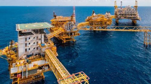 Contrata Hacienda cobertura petrolera a 55 dólares/barril
