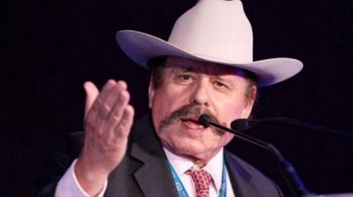 Guadiana pide licencia al Senado, va por alcaldía de Saltillo