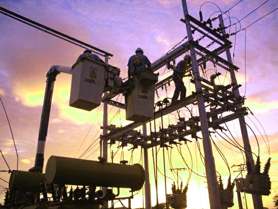 Ofrece CCE trabajar con gobierno para fortalecer el sistema eléctrico