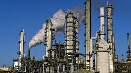 Austeridad en Pemex compromete refinación, advierten