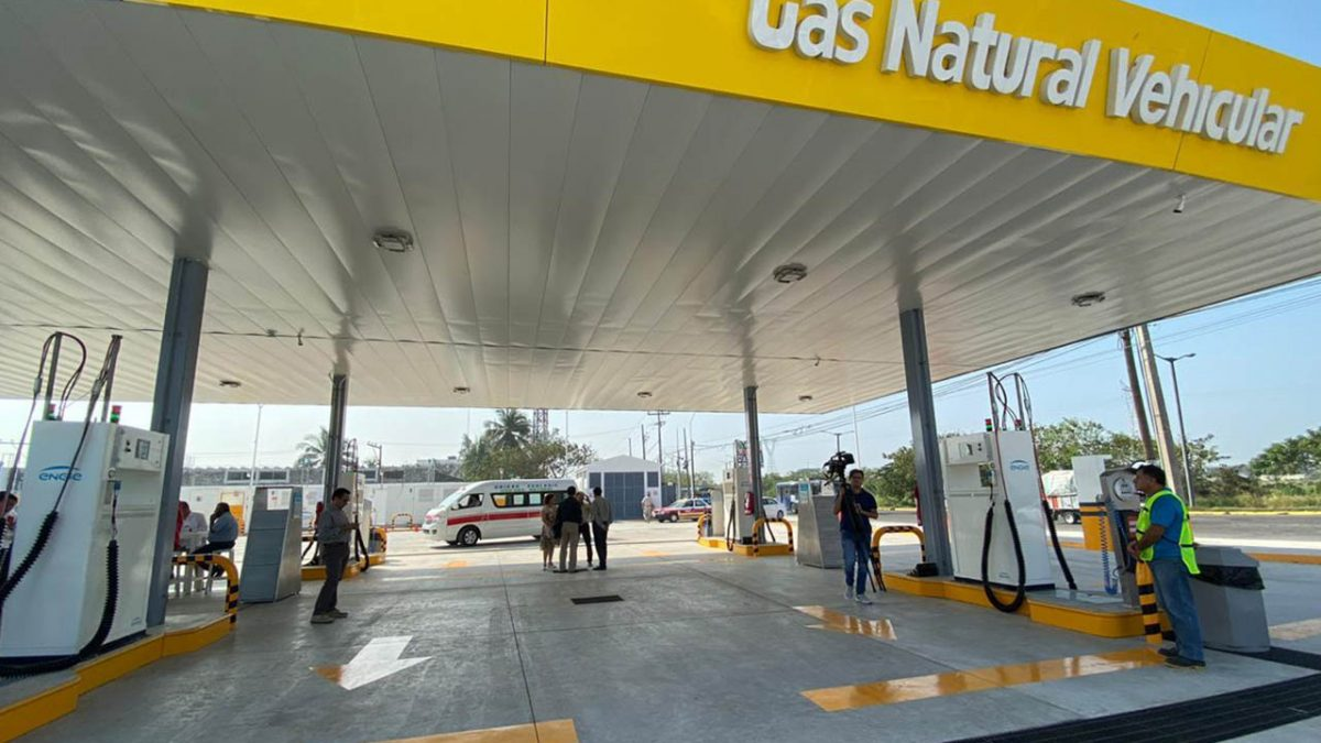 Firman convenio en apoyo al gas natural vehicular