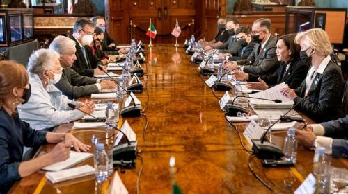 Inversión extranjera, un tema en encuentro Harris-López Obrador