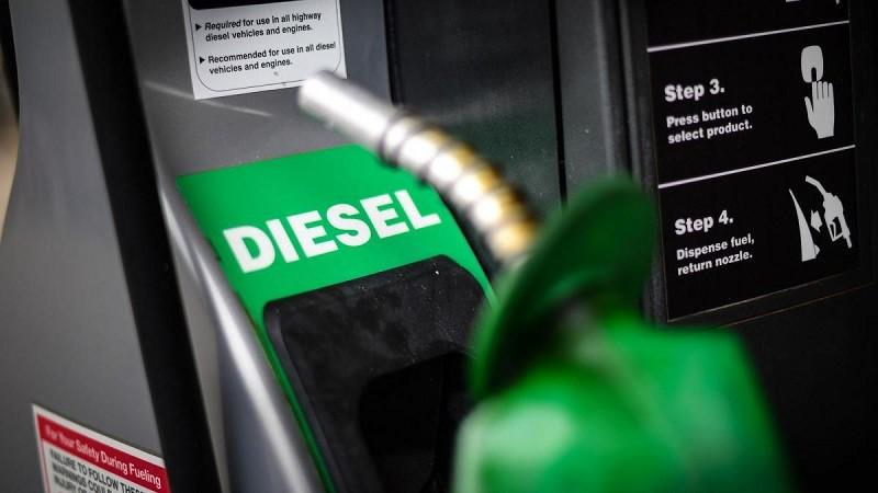 Gasolinas: precios al alza, abasto restringido