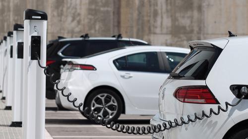 Cambios a la ley, riesgo para la industria de autos eléctricos