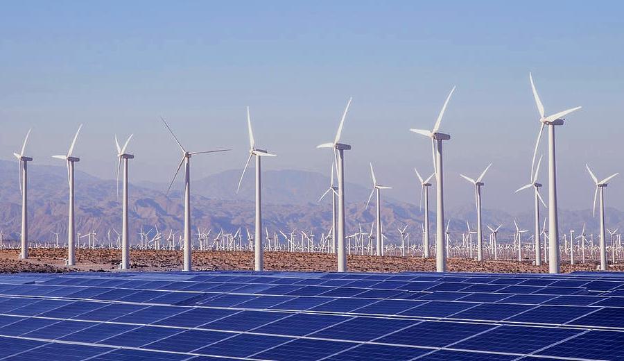 Prevé IRENA beneficios de acelerar la Transición Energética