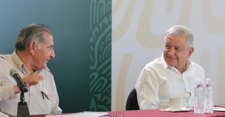 Va López Obrador por reforma constitucional eléctrica