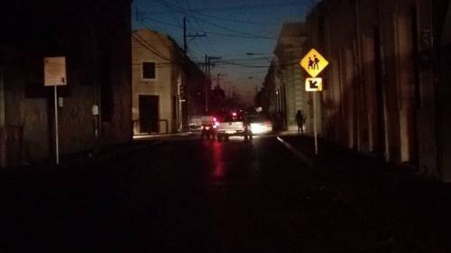 Se reporta un apagón en gran parte de la Península de Yucatán