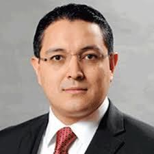 Renuncia Guillermo Zúñiga como comisionado de la CRE